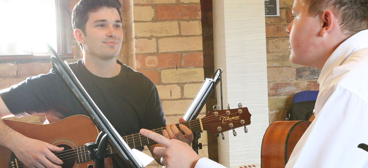 guitar-tuition-warwickshire
